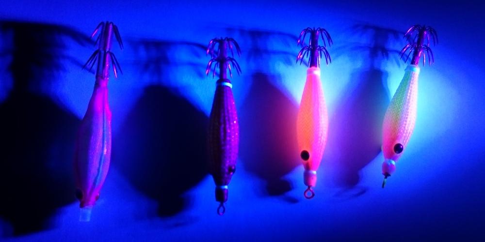 Nous utilisons la lampe U.V de chez Black Magic, pour illuminer les turluttes.