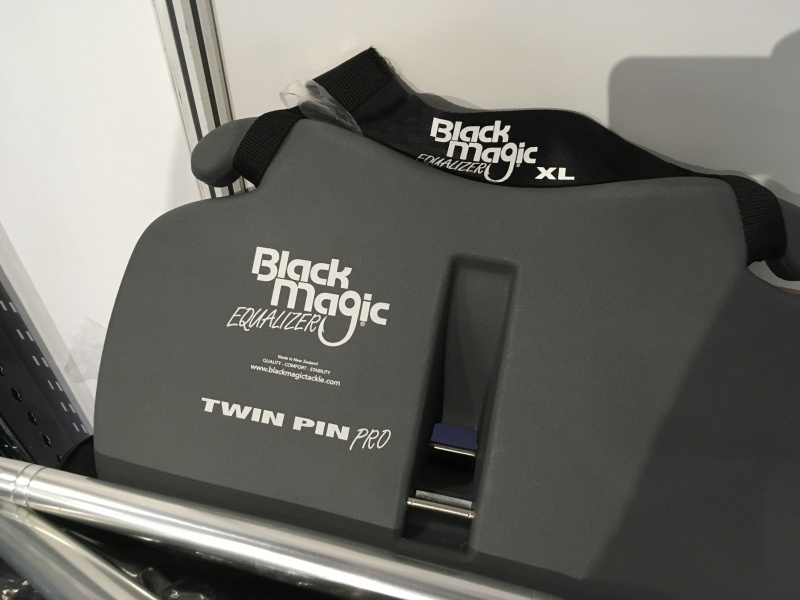 Le nouveau baudrier Black Magic, Twin Pin
