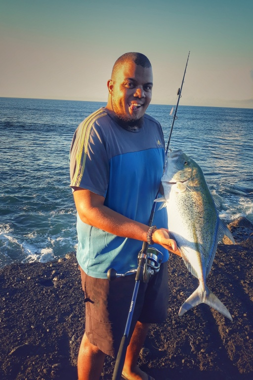 Julien Team Top Fishing La Réunion et Carangue MELAMPYGUS